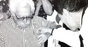 ブラジルを代表する文学者ジョルジェ アマードさんと田所さん(本人提供)