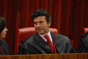 小法廷で報告官を務めたルイス・フクス判事(Fabio Rodrigues Pozzebom/Agencia Brasil)