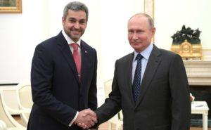 就任前からプーチン露大統領とも会談したマリト次期大統領(Foto Kremlin)