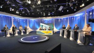 レデ局の大統領選討論会より(17日、RedeTV)