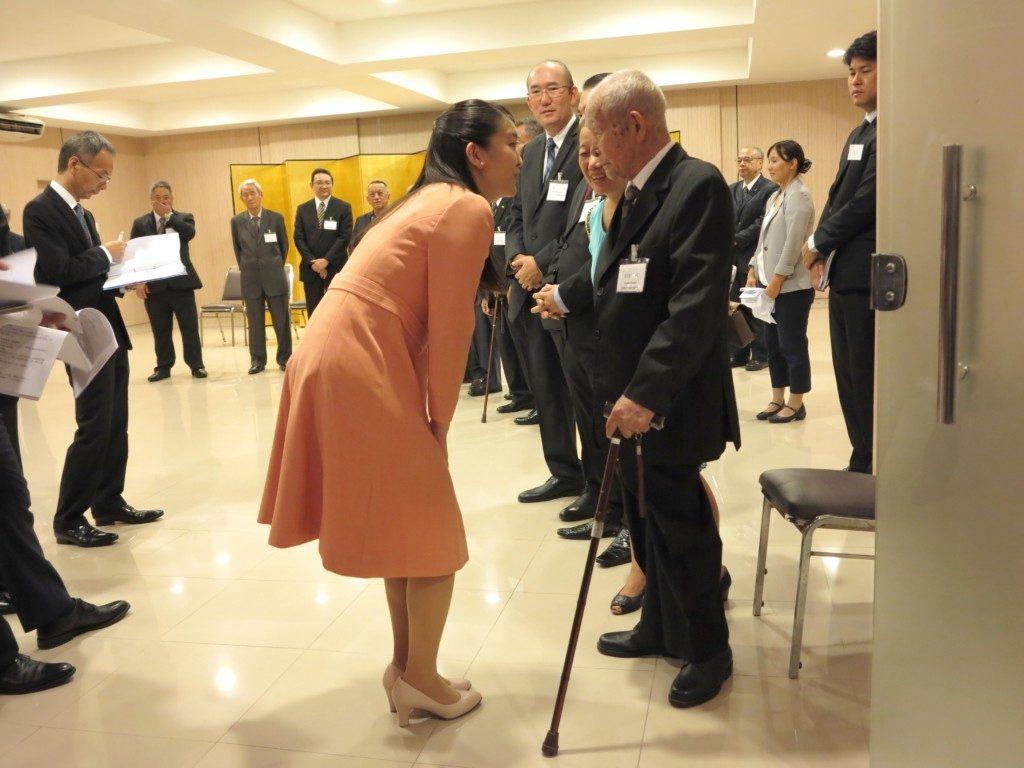100歳の岩坂保さんとお話された眞子さま