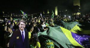 ボウソナロ氏の勝利に沸くブラジリア(Fabio Rodrigues Pozzebom/Ag. Brasil)