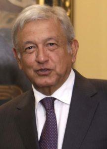 12月に就任するメキシコのロペス・オブラドール新大統領(By Presidencia El Salvador from San Salvador, via Wikimedia Commons)