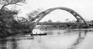 水没したノーボ・オリエンテ橋(同市HPより)