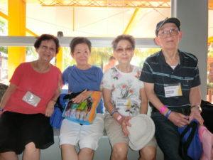 (左から)白川さん、秋山さん、横田夫妻