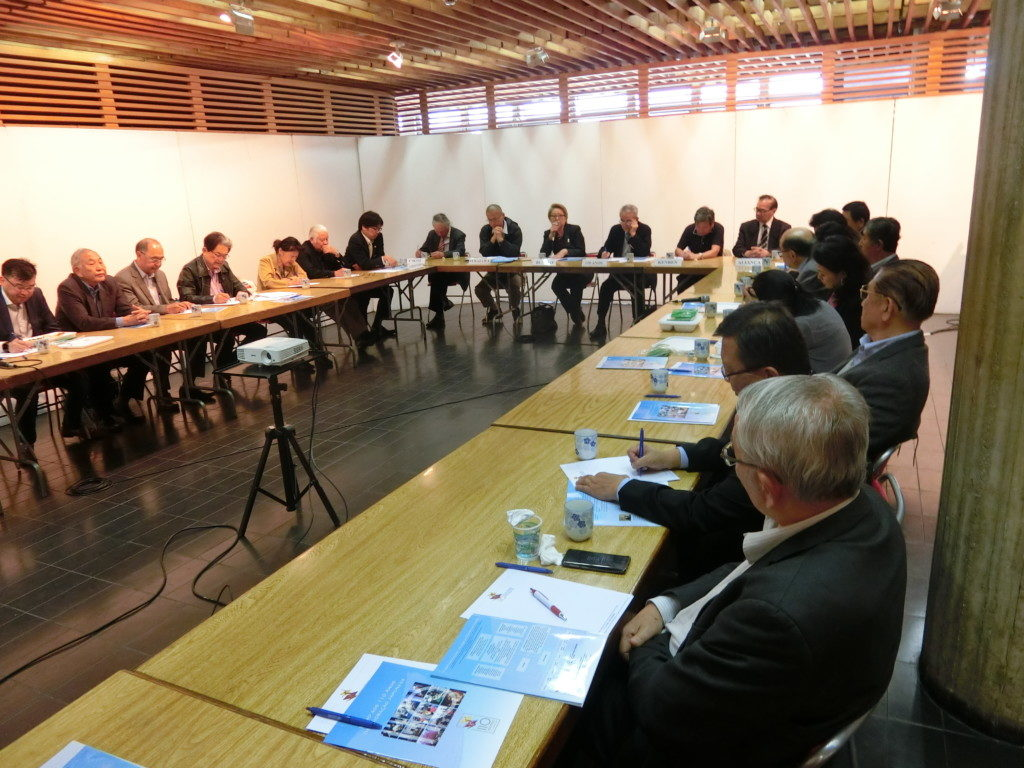 会議には約30人の祭典委員会メンバーが参加した