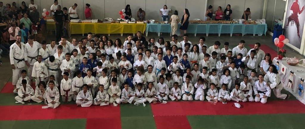 柔道で知育、徳育、体育を身につけた幼少年がブラジルの将来を支えるか