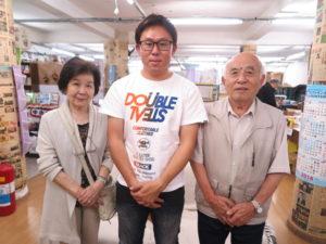 (左から)吉加江書記、黒田さん、竹下会長