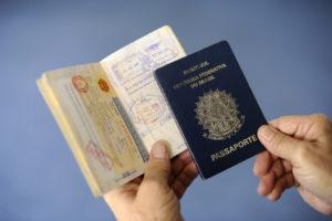 ブラジルの旅券(Foto: Pedro Franca/Agencia Senado)