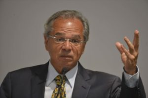 ボウソナロ新政権の経済政策の舵取りを託された、パウロ・ゲデス経済相(Valter Campanato/Ag. Brasil)