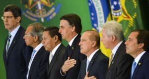 ボウソナロ新内閣の就任式の様子(Foto Marcelo Camargo/Agência Brasil)