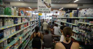 1カ月で生活必需品価格0・43%上昇は、決して軽くない(参考画像・Tania Rego/Ag. Brasil)
