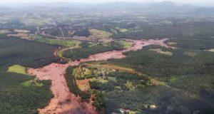 鉱山ダム決壊事故の被害の全容はまだわかっていない(参考画像・ミナス州消防局)