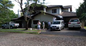 イヴァン氏のパラグアイの立派な自宅