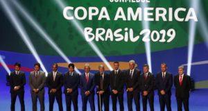 組み合わせ抽選会に出席した各国代表チームの監督たち(Fernando Frazão/Agência Brasil)