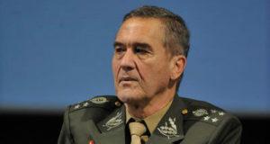 ヴィラス・ボアス前陸軍司令官(Fabio Rodrigues Pozzebom/Agência Brasil)