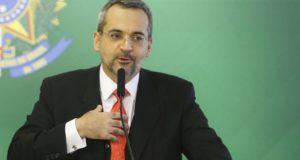 アブラアン教育相(Valter Campanato/Agencia Brasil)