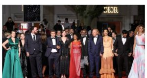 カンヌ国際映画祭に集まった、「バクラウ」製作関係者達(15日付オ・グローボ紙サイトの記事の一部)