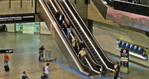 グァルーリョス空港がさらに便利に(参考画像・Paula Cristina/Flickr)