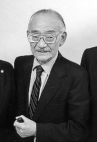 日系人の強制収容の不当性を訴えた日系二世弁護士・安井稔氏(Image courtesy of the Korematsu family, From Wikimedia Commons)