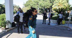 代表チームの合宿所に到着した、ブラジル女子サッカーのスター、マルタ(CBF)