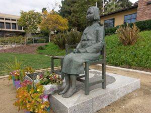 カリフォルニア州グレンデールの慰安婦像(Ka-cw2018, From Wikimedia Commons)