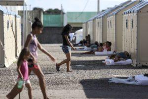 2018年8月、ボア・ヴィスタの難民収容所のベネズエラ人たち(Marcelo Camargo, From Wikimedia Commons)