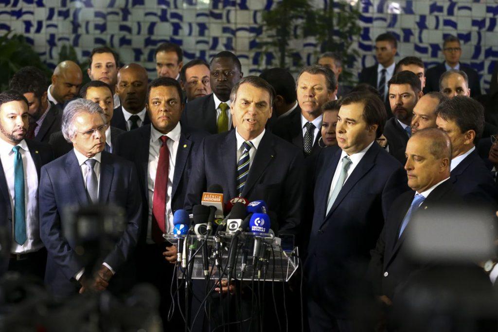 政策を発表するボウソナロ大統領(Marcelo Camargo/Agência Brasil)