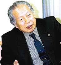 静岡県掛川市長、大日本報徳舎の舎長だった榛村純一さん(村松さん提供)