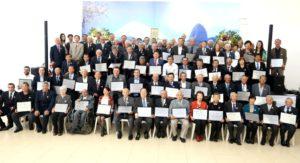 2019年 モジ入植100周年式典で感謝状を渡された功労者の皆さん(Foto oficial = Wanderley Sasaki)(参考写真)