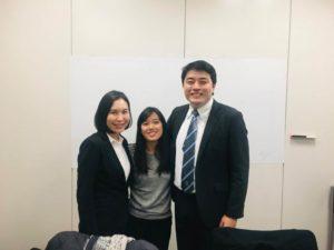 留学を終え、本部で修了報告会のために集まった卒業生3人。右が佐藤さん(JICA日系社会育成事業フェイスブックより)