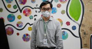 来社に訪れたリベルダーデ医療センターの近澤エドアルド寛(ちかざわ・ひろし)診療部長