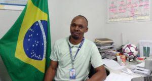 NGOの事務所でジャンさん