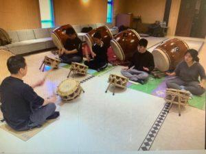 去年実施された「太鼓技術及び指導者育成」コース研修の様子
