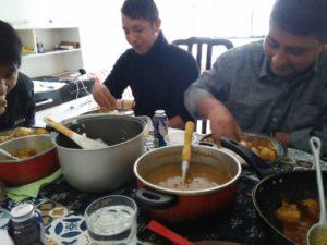 ガネッシュさんの家でネパール料理の昼食