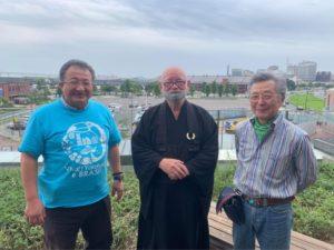 左から斉藤会長、伊藤師、三浦先生
