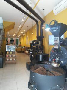 カフェテリア『Um Coffee』