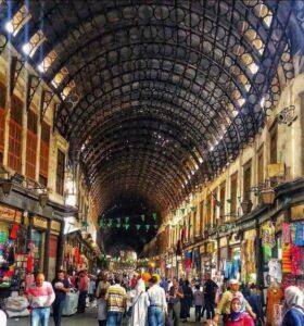 シリアの市場の壮麗な建物