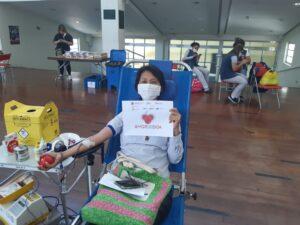 献血中の参加者