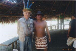 野澤の兄貴分として盃を交わした、ペルーの先住民の若き酋長。私の愛用のオーストラリア産のカンガルーハットをかぶってご満悦の様子