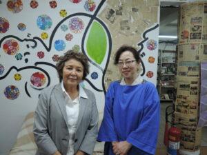 裏千家ブラジルセンターの水本法子さんと中根瑞穂さん