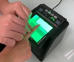 指紋登録を行う様子(httpswww.fingerprintroomjapan.co.jpja-digitalscan)